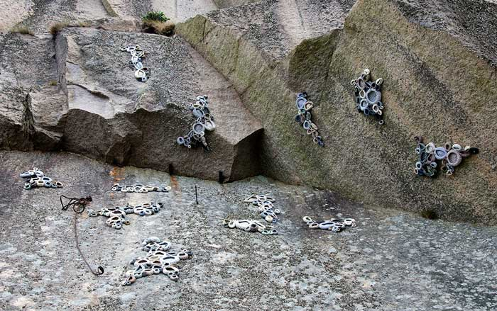 SYMBIOSIS   Symbiosis, crocheted forms connected to the walls of an old stone quary at the Swedish westcoast, Hunnebostrand, 2016.