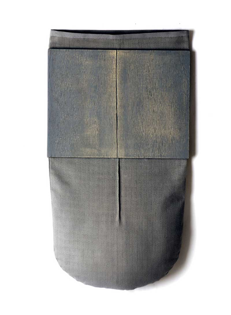 IN SILENCE 2 | Linen, plywood, sawdust; 62cm x 32cm x 6cm. Photo: Dick Makin Imaging